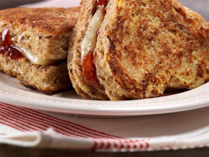 Creamy Sweetheart Sandwich
