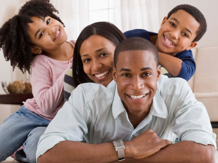 10 HABITS OF HAPPY FAMILIES