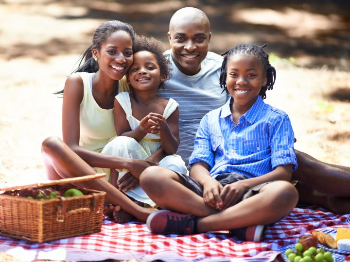 12 Fun Activities Suitable for Family Picnics